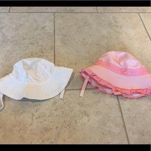 Set of 2 baby girl's hats